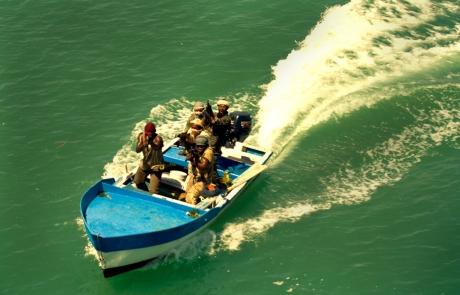 piratas en esquife