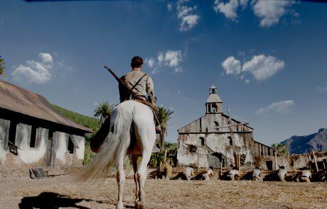 Carlos regresa a caballo a la Iglesia