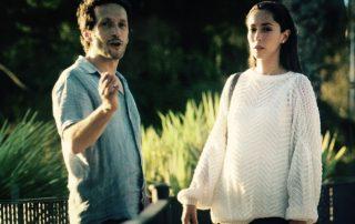 Salvador Calvo dirigiendo a Oona Chaplin